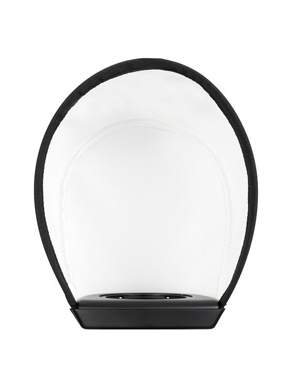 Profoto Soft Bounce A1 Air TTL - La herramienta Soft Bounce para el flash A1 acoplado en la cámara es perfecta para crear una iluminación suave y atractiva, aunque también se puede usar en situaciones en las que no haya superficies reflectoras o si quieres obtener una imagen más direccional reflejando la luz desde arriba. Fácil de manejar, puedes acoplarla a la montura magnética y se puede combinar con otras Light Shaping Tools A1.