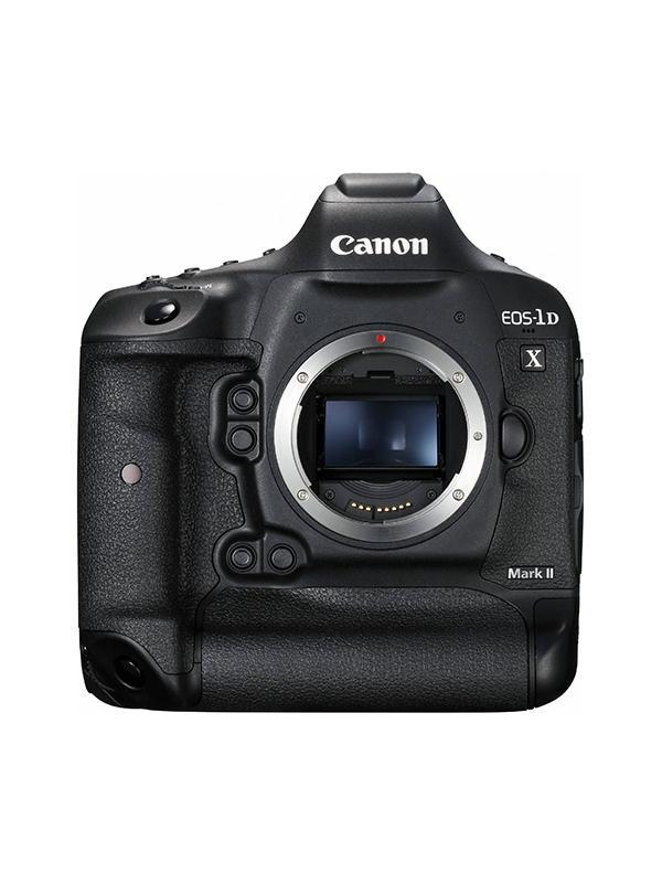 Canon Cámara EOS 1DX Mark II Cuerpo - Canon anuncia en febrero de 2016 la esperadísima EOS-1D X Mark II, el nuevo buque insignia de su gama de cámaras réflex digitales (DSLR), que ha sido diseñada para poner al alcance de tu mano la más avanzada combinación de calidad de imagen, resolución y velocidad. Creada para ofrecer a los fotógrafos una ventaja importante desde el mismo momento del disparo, la EOS-1D X Mark II establece un nuevo hito en lo que se refiere a velocidad de disparo ?14 fotogramas por segundo (fps) con seguimiento AF/AE total y 16 fps en el modo de visión en directo ?Live View??, lo que la hace ideal para captar sujetos a alta velocidad, tanto en lugares abiertos como en competiciones deportivas internacionales. Las principales diferencias con respecto al modelo anterior son; el nuevo sensor CMOS de formato completo de 20,2 megapíxeles (frente a los 18.1 de la 1DX), el procesador de imagen Dual