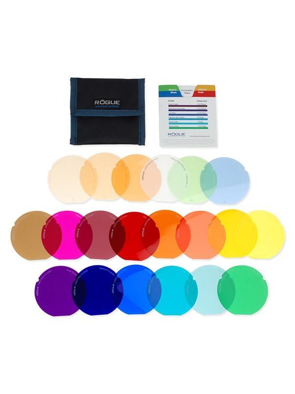 Rogue Kit 20 Filtros Color y Correctores p/ Nido - Los filtros para iluminar con colores (geles) se utilizan a menudo para potenciar las luces, o para añadir color dramático a los fondos o las partes seleccionadas de una escena para efectos artísticos. Los filtros de corrección, se utilizan normalmente para ajustar la temperatura de color de un flash para adaptarse mejor a otras fuentes de luz, o para mejorar el equilibrio general del color de una imagen.  Tenga en cuenta que el flash con nido de abeja 3-en-1 Rogue se vende por separado.