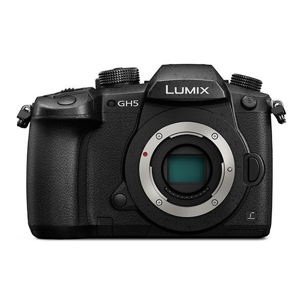Panasonic Cámara DMC-GH5EC-K Cuerpo 4K/6K 20Mpx - Panasonic presenta la LUMIX GH5, el último modelo insignia de las cámaras de objetivos intercambiables sin espejo (DSLM) LUMIX G, basadas en el estándar del sistema Micro Cuatro Tercios. La nueva cámara ofrece un rendimiento híbrido de alta calidad para los aficionados y profesionales de la fotografía y el vídeo que buscan capturar fotos en 6K y vídeos 4K de 60p / 50p.